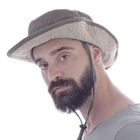 Chapeau de globe-trotter, lacet au cou, bouton en métal