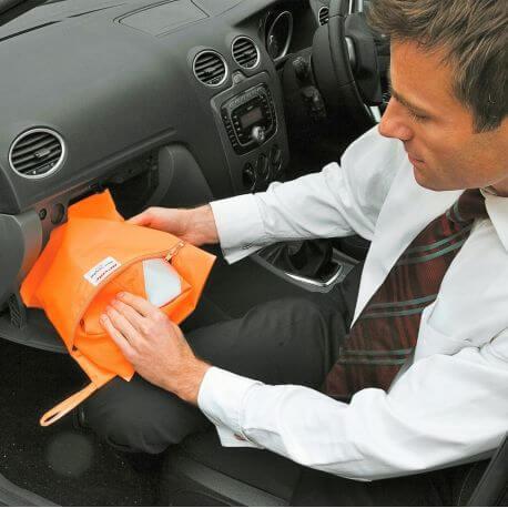 Pochette pour veste de sécurité à ranger dans la boite à gants