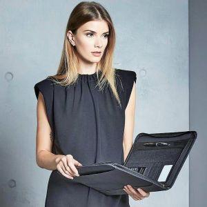 Portfolio de luxe zippé, avec bloc-note et calculatrice compris