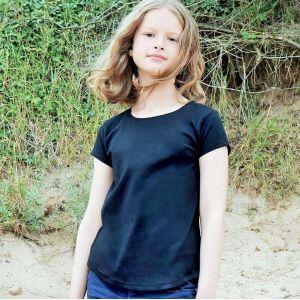 T-shirt fille moderne en coton, base arrondie, 150 g/m²
