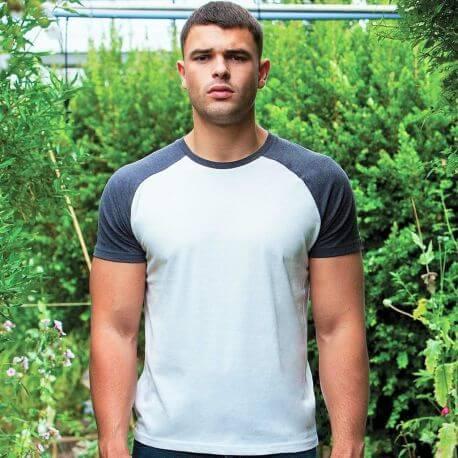 T-shirt baseball moderne en coton bio finition peau de pêche, 150 g/m²